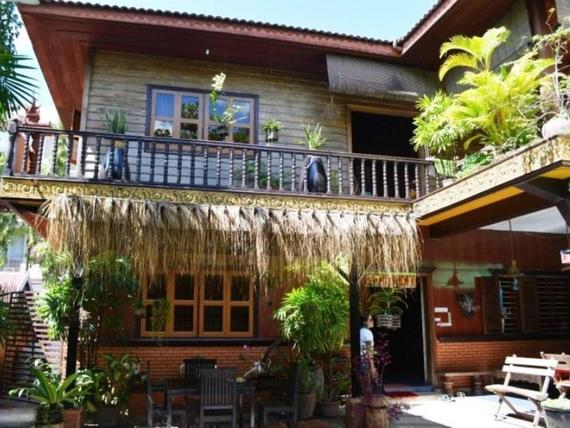 Big Lyna Villa & Home-stay