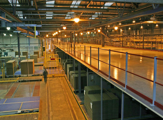Single tier mezzanine floor for packaging company