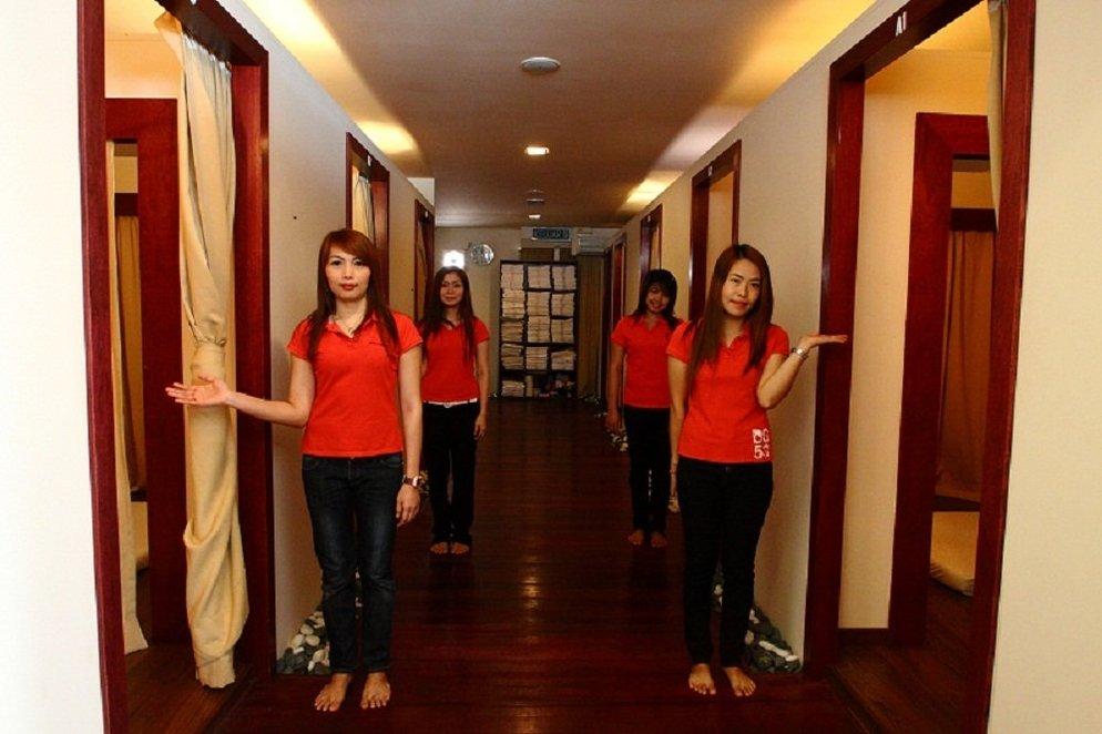 nipple high class thai escort