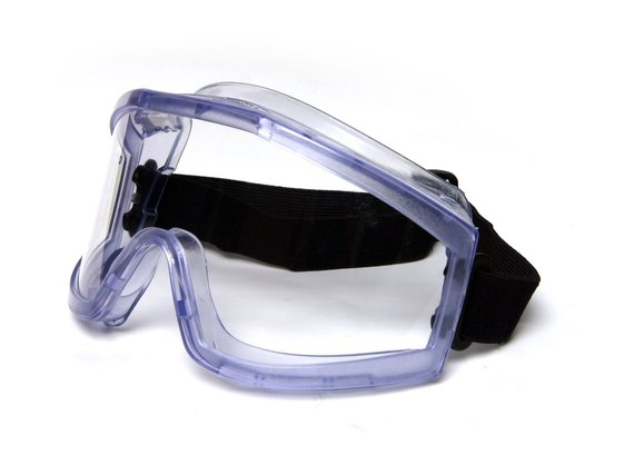 chemicalin safety goggles