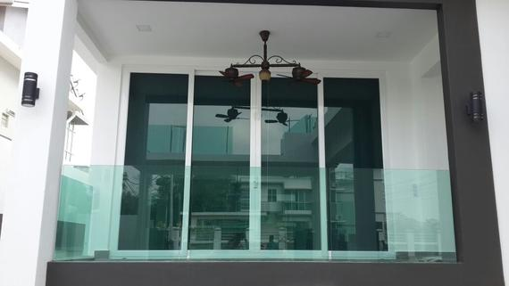 Aluminium Folding Door & Balcony Glass