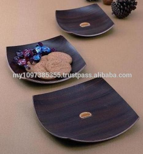 Curved Design Wooden Snack Tray