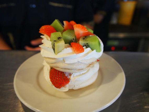 Pavlova Premium Double Layer (Only Available in Kajang HQ)