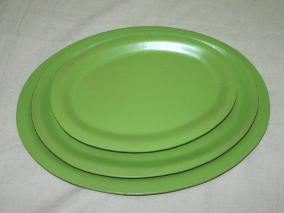 1051 Oval Tray (Green)