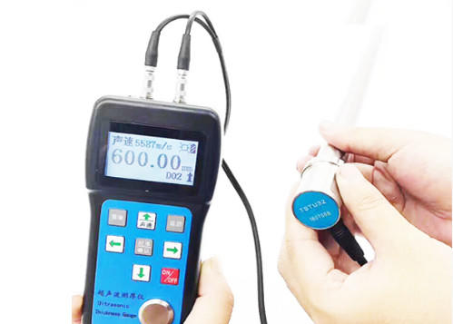 UT 600 Ultrasonic Thickness Gauge