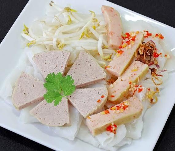 Steamed thin rice pancake with Vietnamese pork ham