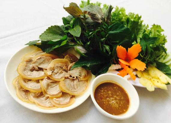 Steamed veal wrap with herbs